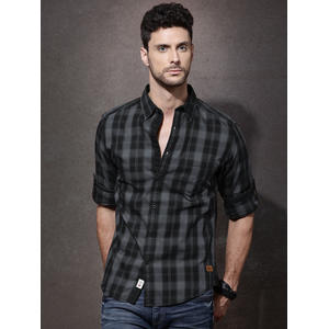 Roadster Men Black & Grey Checked Casual Shirt
