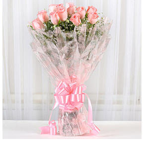 Splendid 12 Pink Roses Bouquet